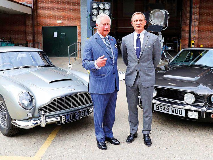 Έκπληξη! Ο πρίγκιπας Κάρολος στην νέα ταινία του James Bond; | tlife.gr