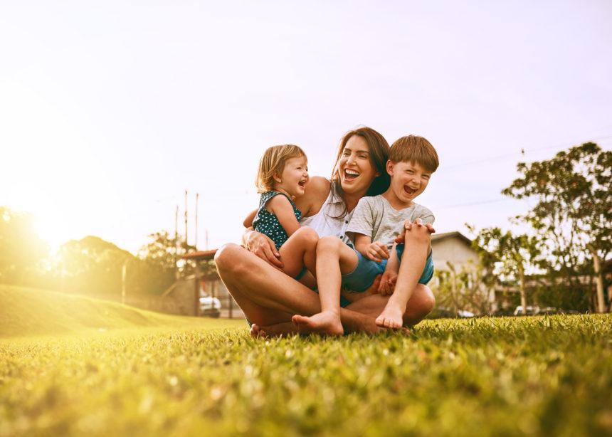Κι αυτήν εβδομάδα, ο Δρ. Σπύρος Μαζάνης λύνει όλες τις απορίες των γονιών | tlife.gr