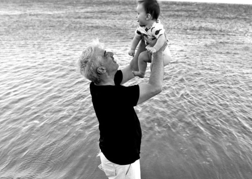 Σίμος Κεδίκογλου – Ελισάβετ Κατσαμάκη: Το πρώτο καλοκαίρι με τον 8 μηνών γιο τους! [pics] | tlife.gr