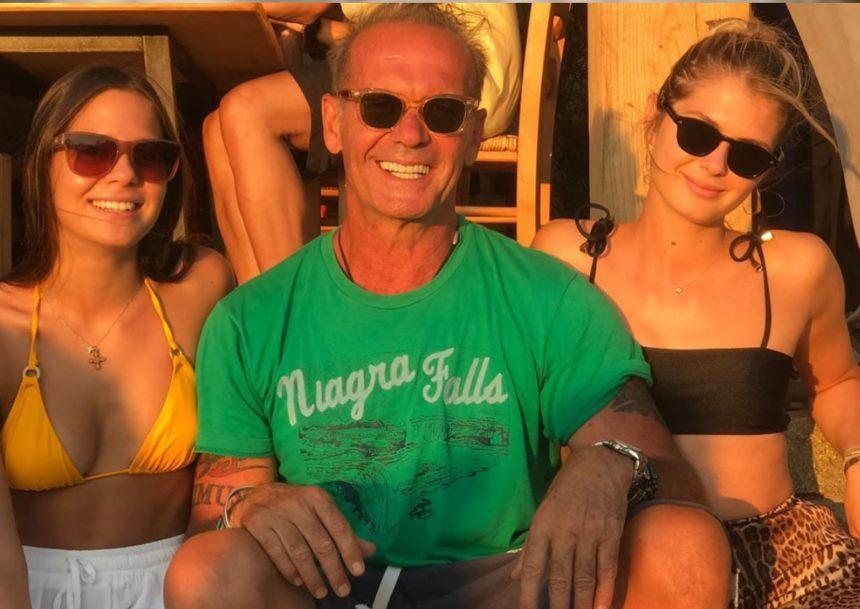 Πέτρος Κωστόπουλος: Διακοπές με τις κούκλες κόρες του! [pics] | tlife.gr