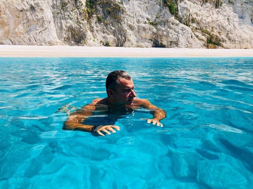 Γιώργος Λιάγκας: Διακοπές στο Ιόνιο με τους γιους του! | tlife.gr