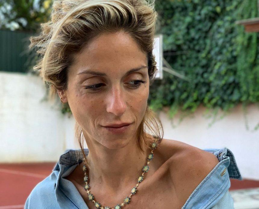 Σοφία Καρβέλα: Τέλος οι διακοπές! Επιστρέφει στην Αμερική με τους γιους της [pics] | tlife.gr