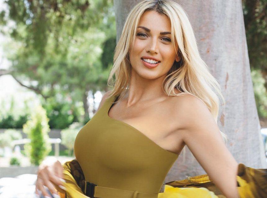 Κωνσταντίνα Σπυροπούλου: Επέστρεψε στη Ρόδο - Οι ξέγνοιαστες στιγμές στη γενέτειρά της [pics]