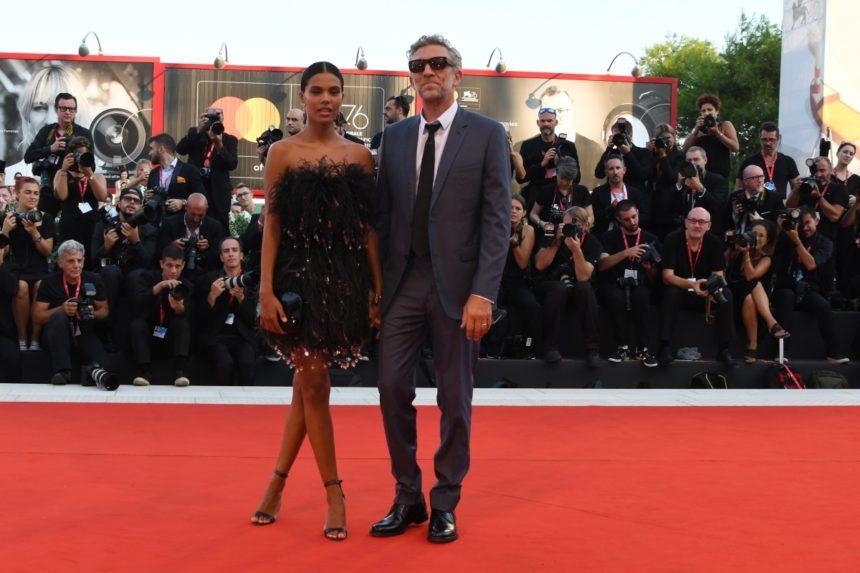Vincent Cassel – Tina Kunakey: Αυτό ήταν το πιο στιλάτο ζευγάρι στο Φεστιβάλ της Βενετίας! [pics] | tlife.gr