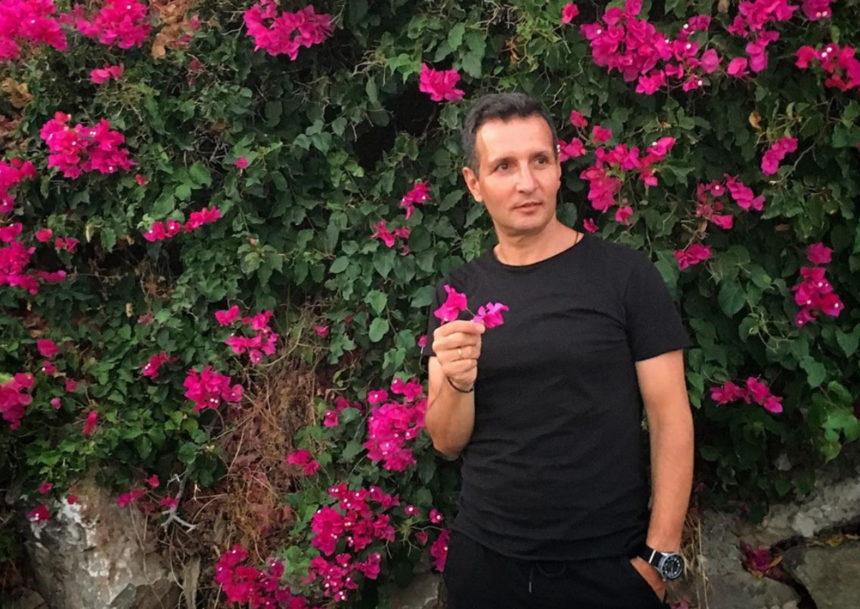 Δημήτρης Μπάσης: Δημοσίευσε την πιο τρυφερή φωτογραφία με τους γιους του! | tlife.gr
