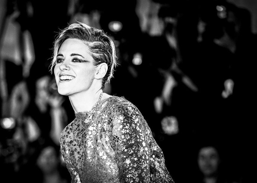 Η Kristen Stewart με εντυπωσιακή εμφάνιση στο Φεστιβάλ Βενετίας | tlife.gr