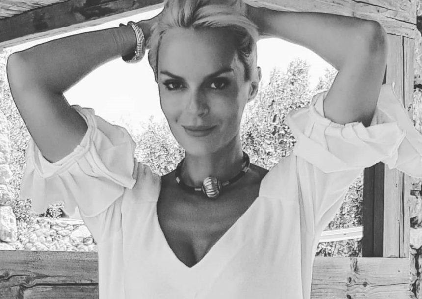 Ξέσπασε η Έλενα Χριστοπούλου: «Σε τρεις μήνες γίνομαι 44 χρονών και είμαι περήφανη για το σώμα μου» | tlife.gr