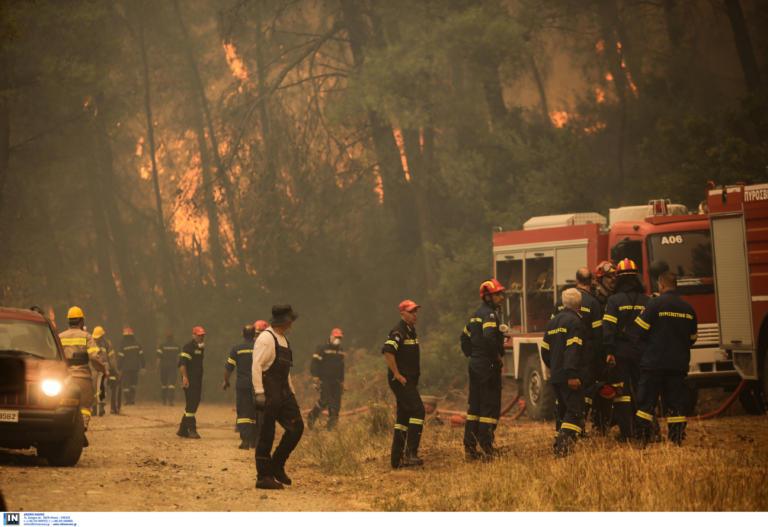 Φωτιά Εύβοια: Εκκενώνονται δύο χωριά | tlife.gr