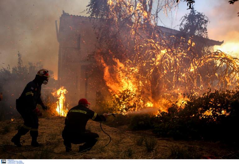 Σε κατάσταση έκτατης ανάγκης η Εύβοια – Εκκενώθηκε και τέταρτο χωριό | tlife.gr