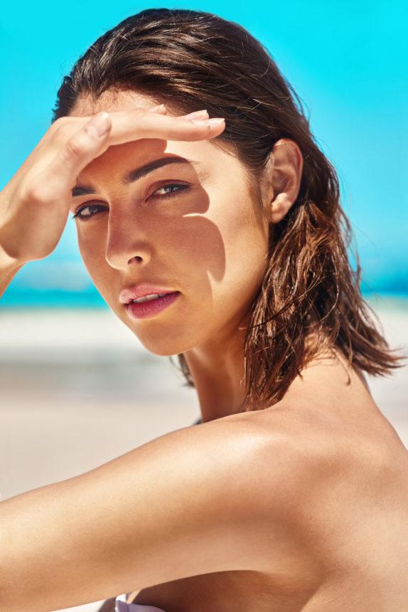 Μην βγάζεις το πρόσωπό σου στον ήλιο! Κάνε αυτό για να μαυρίσεις! | tlife.gr