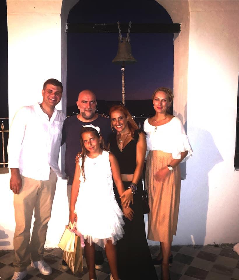 Φωτεινή Ψυχίδου – Μπάμπης Στόκας: Βάφτισαν την 9χρονη κόρη τους Ιόλη! Φωτογραφίες