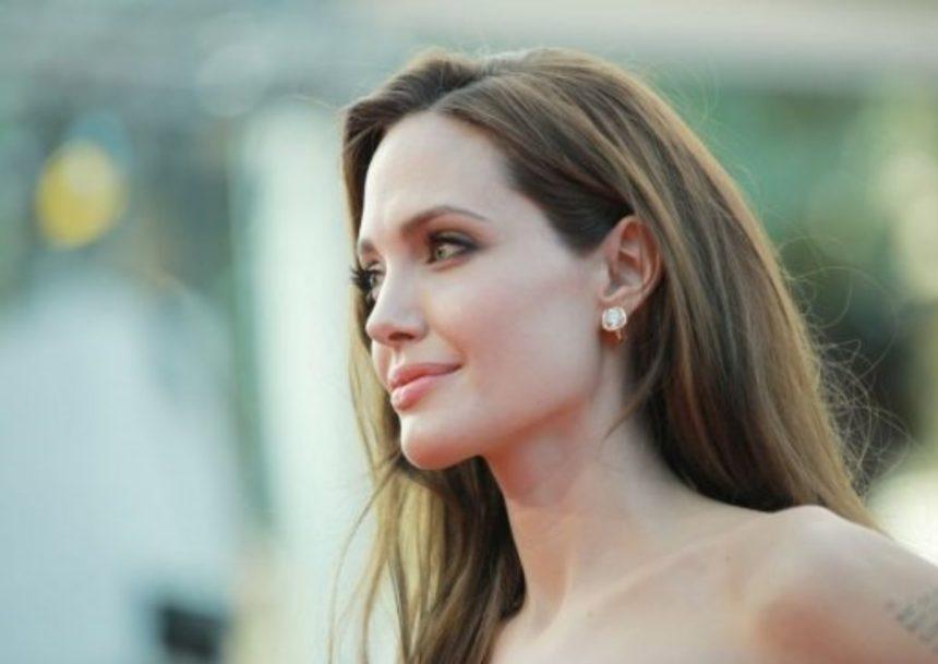 Angelina Jolie: Αυτές τις συμβουλές δίνει στις κόρες της!