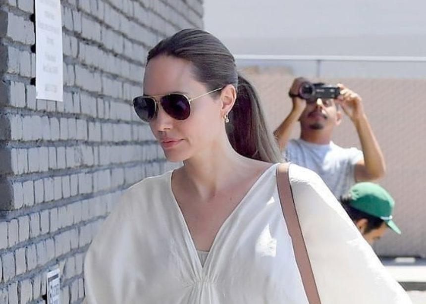 Βάλτο στην λίστα σου!Η Angelina Jolie σου δείχνει την επόμενη σου αγορά | tlife.gr