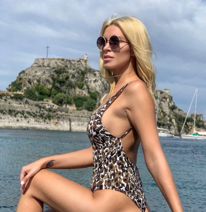 Kατερίνα Καινούργιου: «Έγραψε» το όνομά της στην τσάντα της διάσημου οίκου και εντυπωσίασε! | tlife.gr