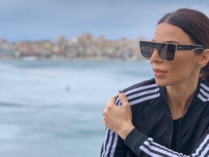 Κέλλυ Κελεκίδου: Δύσκολες ώρες για την τραγουδίστρια – Πέθανε ο πατέρας της | tlife.gr