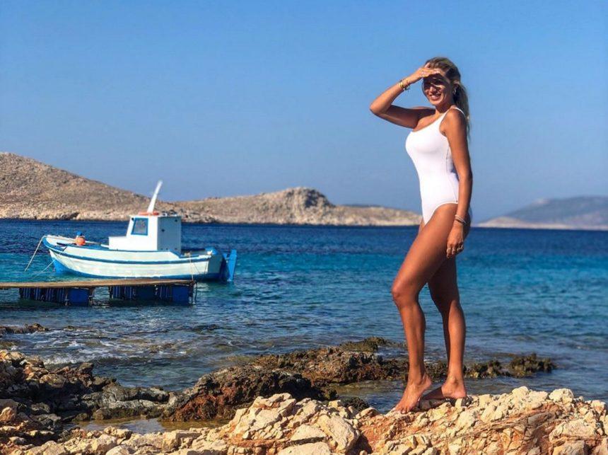 Κωνσταντίνα Σπυροπούλου: Οι διακοπές δεν τελειώνουν ποτέ - Επέστρεψε ξανά… στην Μύκονο! [pics,vids]