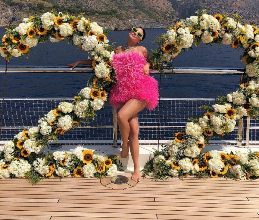 Kylie Jenner: Νέες φωτογραφίες και βίντεο από το χλιδάτο πάρτι γενεθλίων της σε πολυτελές γιοτ! | tlife.gr