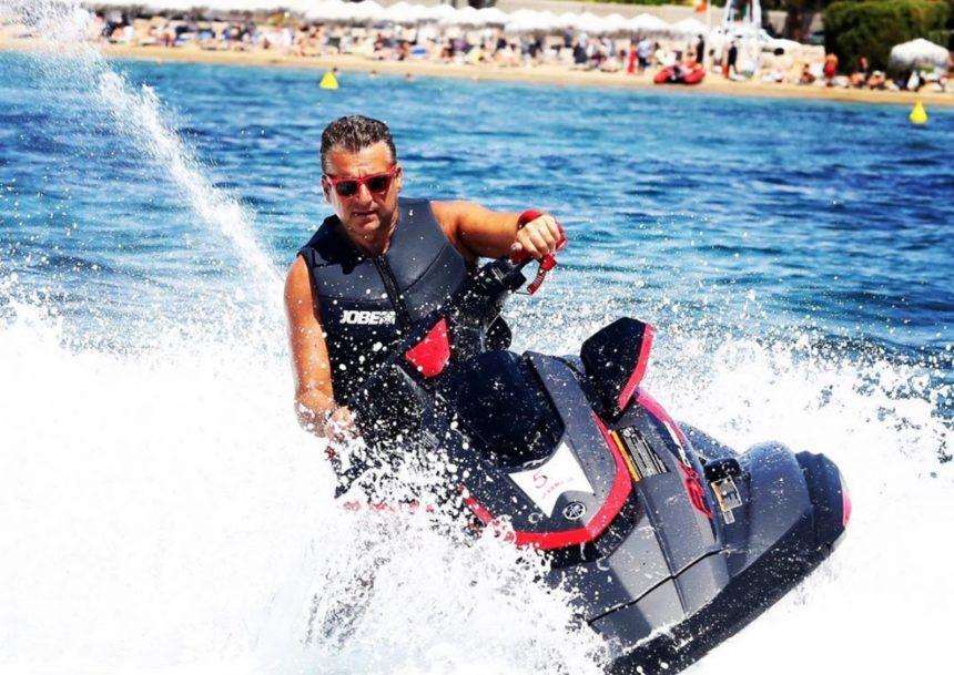 Γιώργος Λιάγκας: Με ποιους παλιούς τηλεοπτικούς φίλους κάνει διακοπές;   tlife.gr
