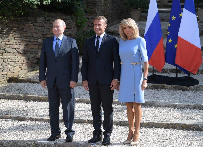 Brigitte Macron: Η πρώτη δημόσια εμφάνιση μετά την πλαστική επέμβαση στο πρόσωπο! Φωτογραφίες | tlife.gr