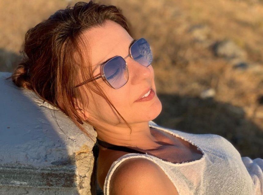 Ματίνα Νικολάου: Διακοπές στην Τήνο μαζί με τον σύντροφό της!