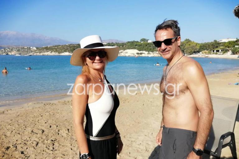 Κυριάκος Μητσοτάκης: Διακοπές στα Χανιά με την σύζυγό του Μαρέβα! | tlife.gr