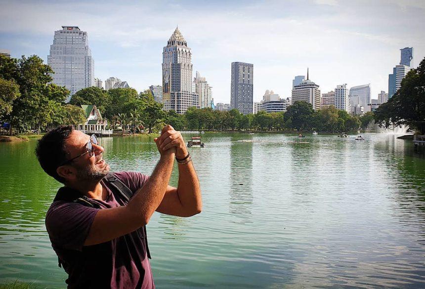 Μιχάλης Μαρίνος: Γοητευμένος από την Ταϊλάνδη! Τα τοπία, τα φαγητά και οι νέοι του φίλοι! Φωτογραφίες | tlife.gr