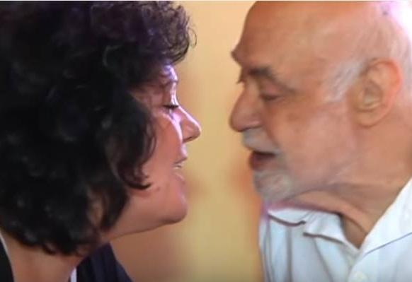 Ανδρέας Μπάρκουλης: Συγκινεί η σύζυγός του και η Άννα Φόνσου με τα λόγια αγάπης 3 χρόνια μετά το θάνατό του | tlife.gr