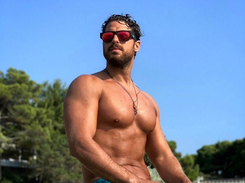 Νάσος Παπαργυρόπουλος: Εντυπωσιακές εικόνες από το ταξίδι του στην Αίγυπτο! | tlife.gr