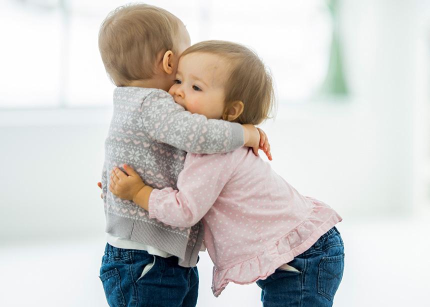10 στιγμές-ορόσημο στη ζωή του παιδιού σου, για τις οποίες δεν θα σου μιλήσει ο παιδίατρος