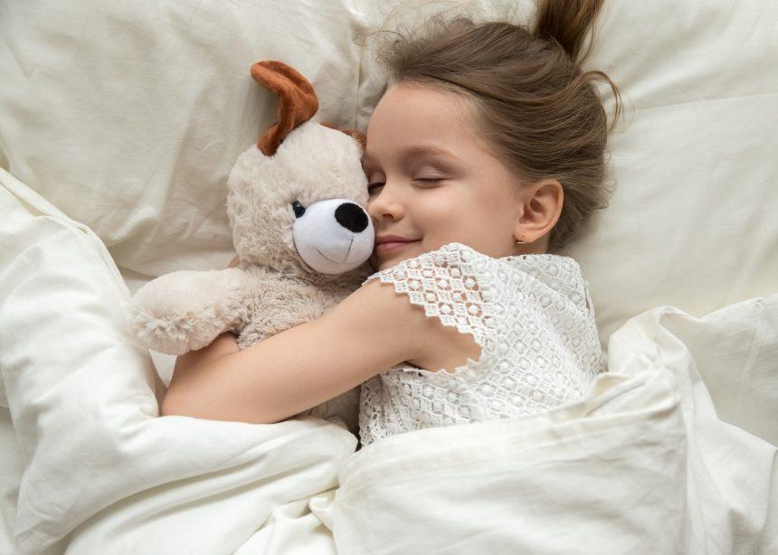 Τελικά, τι ώρα πρέπει να κοιμάται το παιδί; | tlife.gr