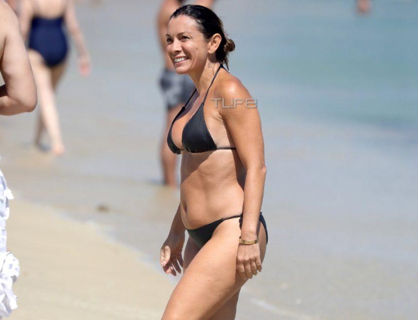Αλεξάνδρα Πασχαλίδου: Σε παραλία της Μυκόνου με μαύρο μπικίνι και χωρίς ρετούς [pics]   tlife.gr