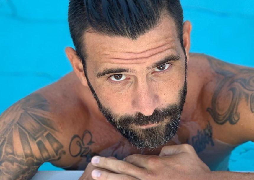 Μιχάλης Μουρούτσος: Έτσι περνάει το καλοκαίρι του ως single! [pics] | tlife.gr