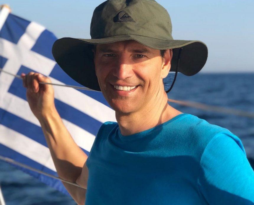 Σάκης Ρουβάς: Το απίστευτο βίντεο από τις διακοπές του στην Ελούντα της Κρήτης!   tlife.gr