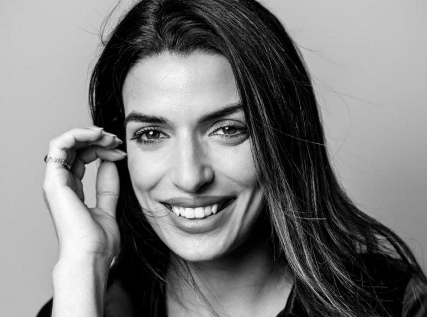 Τόνια Σωτηροπούλου: Είναι ακομπλεξάριστη! Ποζάρει με μάσκα ομορφιάς και μας δείχνει μια διαφορετική πλευρά της | tlife.gr