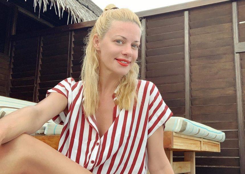 Ζέτα Μακρυπούλια: Μαγευτικές εικόνες από το ταξίδι της στην Τήνο λίγο πριν επιστρέψει στις υποχρεώσεις της!