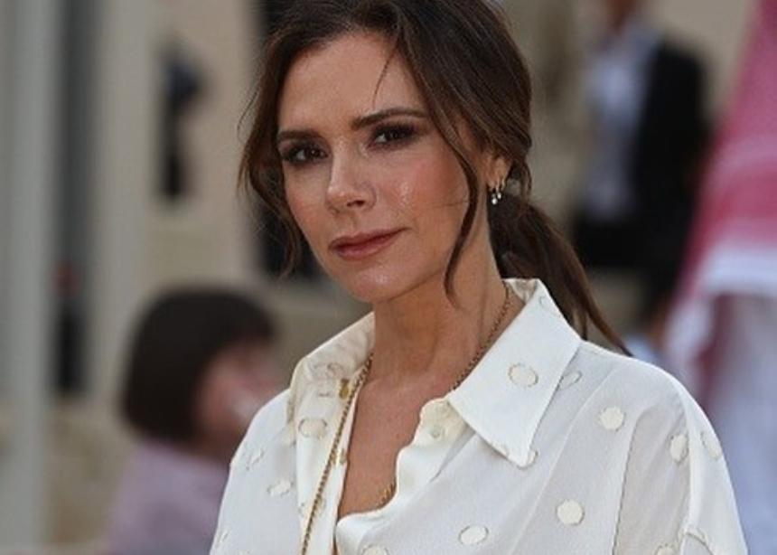 Αυτή είναι η αγαπημένη καλεσμένη στο show της Victoria Beckham!   tlife.gr