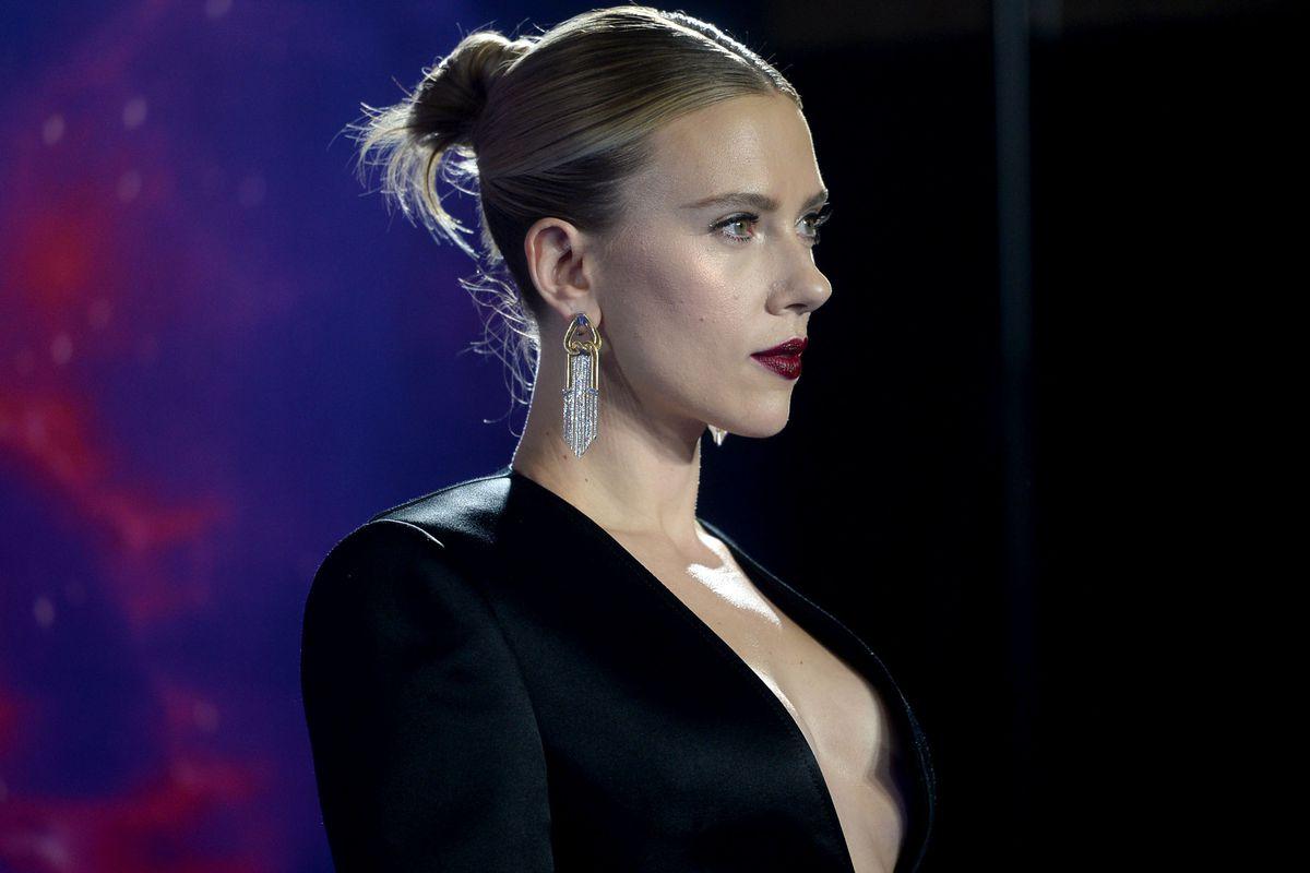Scarlett Johansson: Υποστηρίζει τον Woody Allen παρά τις κατηγορίες για σεξουαλική κακοποίηση της κόρης του!