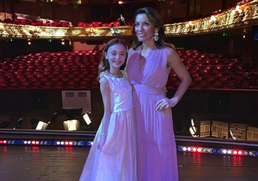 Αλεξάνδρα Πασχαλίδου: Η ξενάγηση στη βασιλική όπερα της Σουηδίας μαζί με τη κόρη της, Μελίνα [pics, video] | tlife.gr