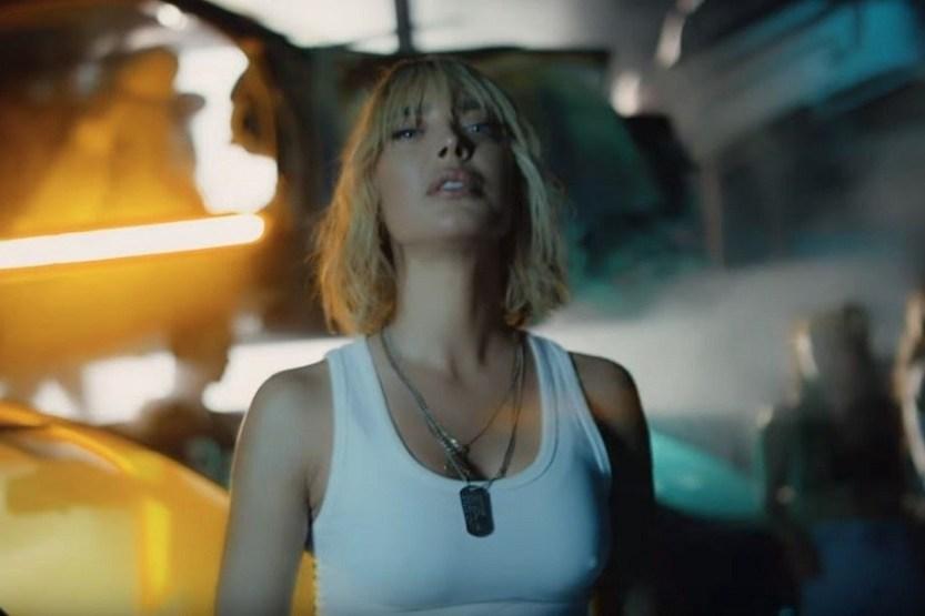 Αμαρυλλίς: Ρεκόρ για το νέο της τραγούδι «Αλυσίδες»! | tlife.gr