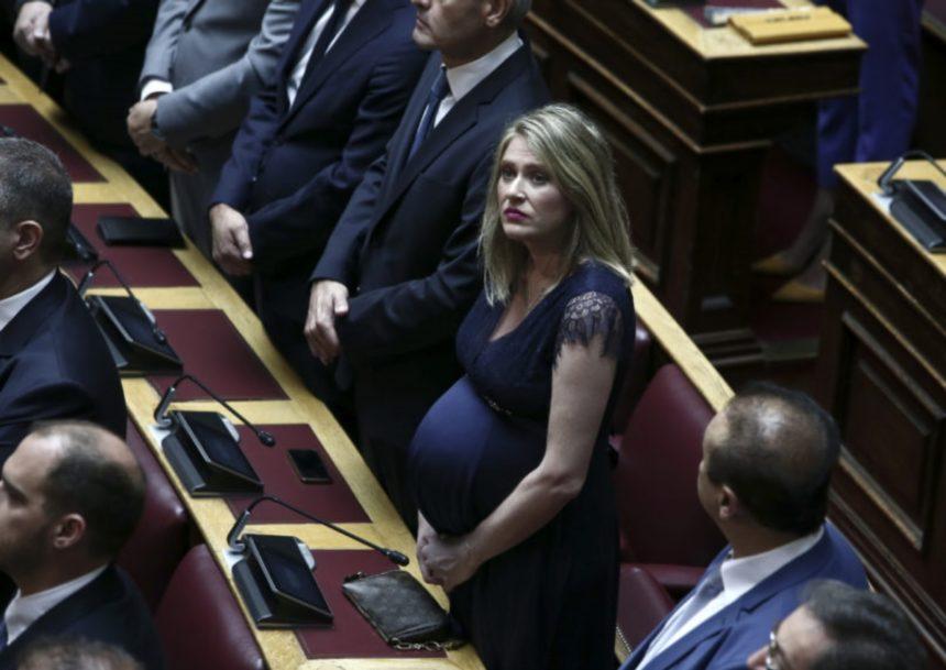 Γεννητούρια στη Βουλή – Για δεύτερη φορά μαμά η βουλευτής Άννα Ευθυμίου! | tlife.gr