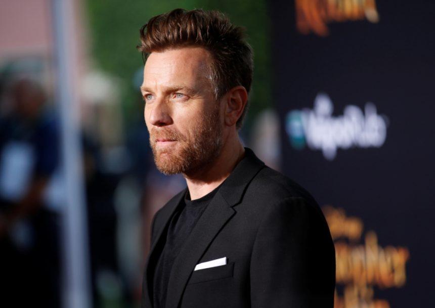 Ewan McGregor: Θα ενσαρκώσει τον διάσημο σχεδιαστή της Τζάκι Κένεντι! | tlife.gr