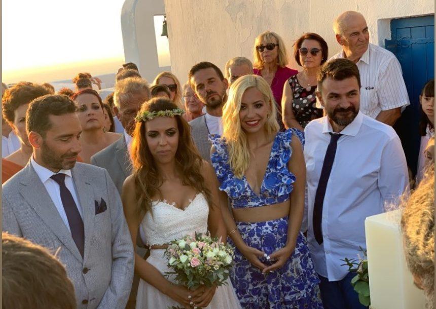 Γάμος στην Αντίπαρο για τους δημοσιογράφους του ΣΚΑΪ και STAR!  [pics] | tlife.gr