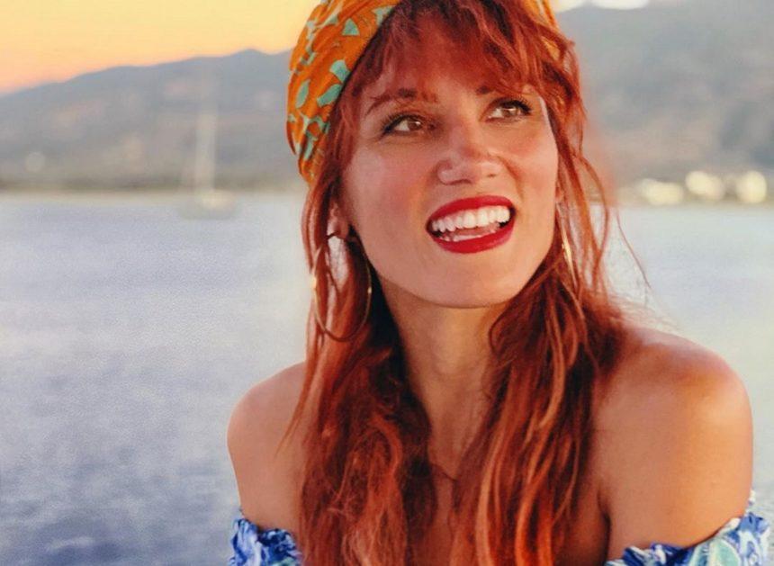 Μαίρη Συνατσάκη: Πήγε καλεσμένη σε γάμο και… βούτηξε με τα ρούχα στην πισίνα [video] | tlife.gr