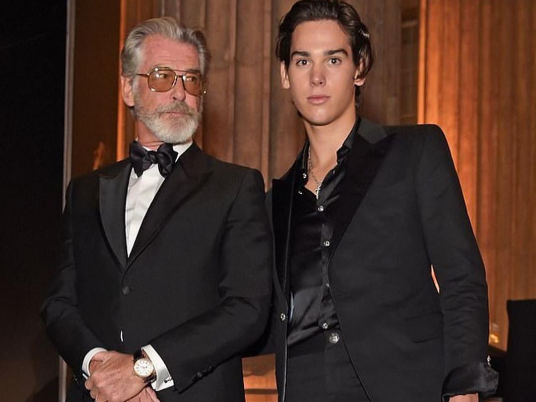 Ο Paris Brosnan βάδισε στην πασαρέλα κι ο μπαμπάς Pierce επευφημούσε! [pics] | tlife.gr