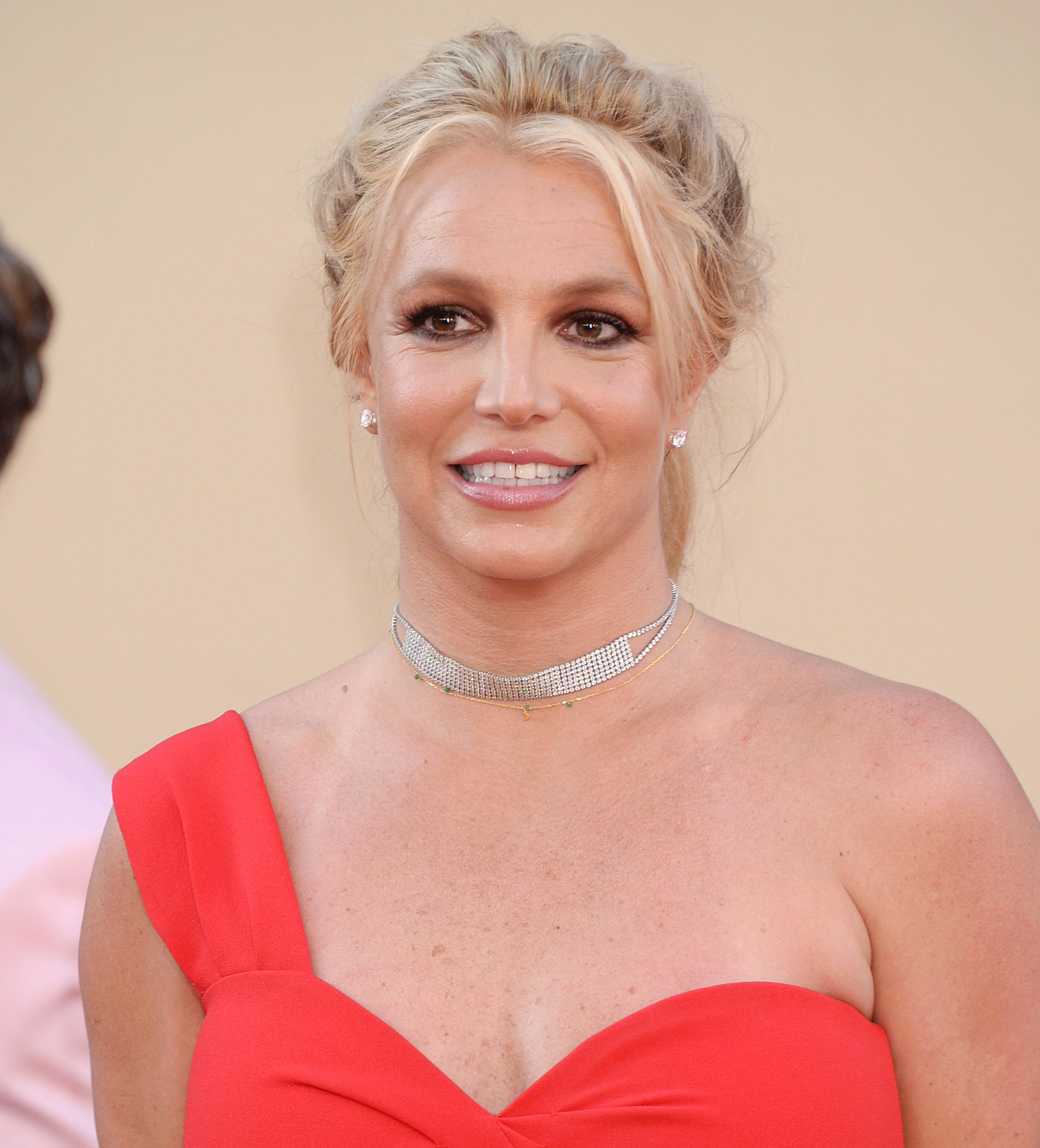 Seriously? Η Britney Spears δεν είναι πια ξανθιά!