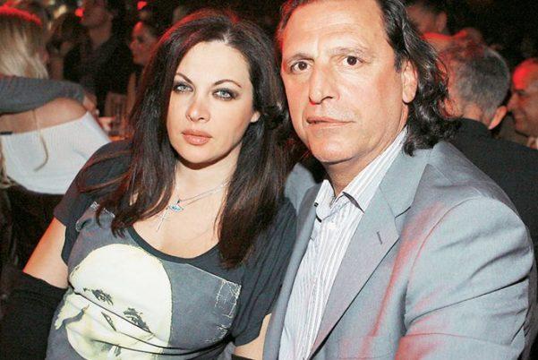 Ώρες αγωνίας για την Νένα Χρονοπούλου και την οικογένειά της – Δέχονται απειλές για τη ζωή τους | tlife.gr