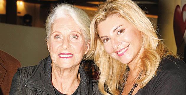 Χριστίνα Πολίτη: Μας δείχνει την 79χρονη μητέρα της με μαγιό και είναι απλά υπέροχη! [pic] | tlife.gr