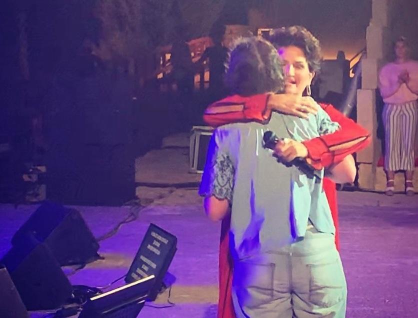 Άλκηστις Πρωτοψάλτη: Η συγκλονιστική στιγμή που η Νεφέλη που δεν μιλά αλλά τραγουδά ανέβηκε στη σκηνή! BINTEO | tlife.gr