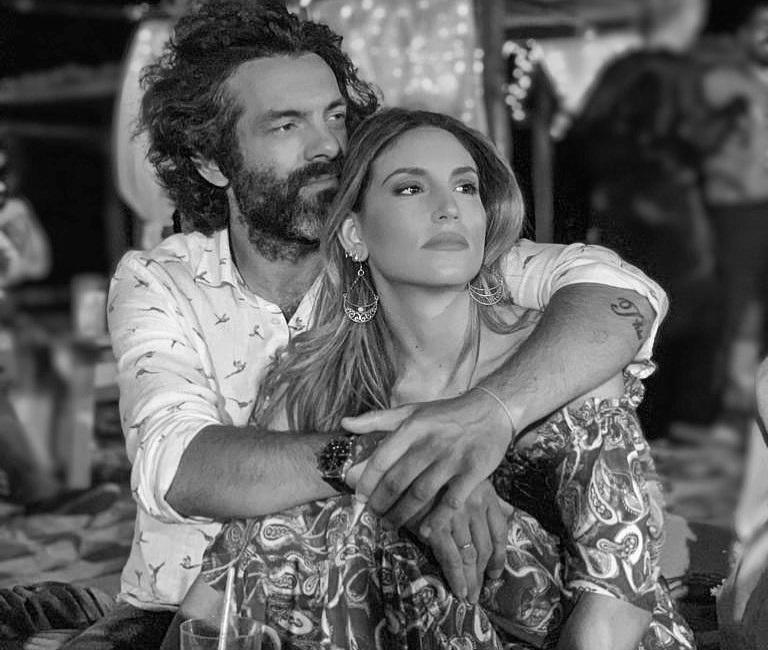 Αθηνά Οικονομάκου: Η τρυφερή φωτογραφία με τον άντρα της από τις καλοκαιρινές τους διακοπές! | tlife.gr
