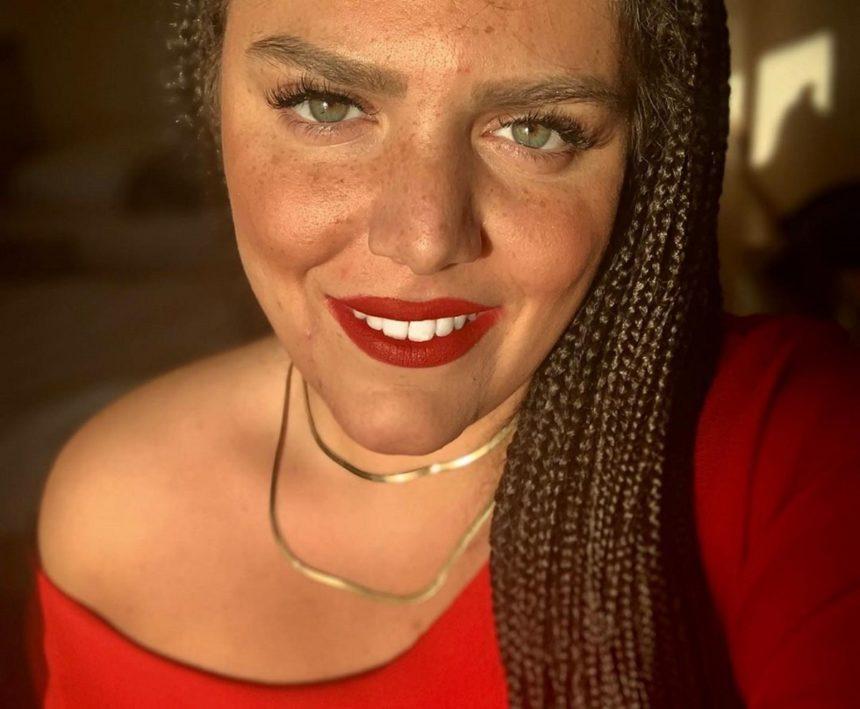 Τέλος τα κοτσιδάκια για την Δανάη Μπάρκα! Αυτό είναι πλέον το hair look της [pic] | tlife.gr